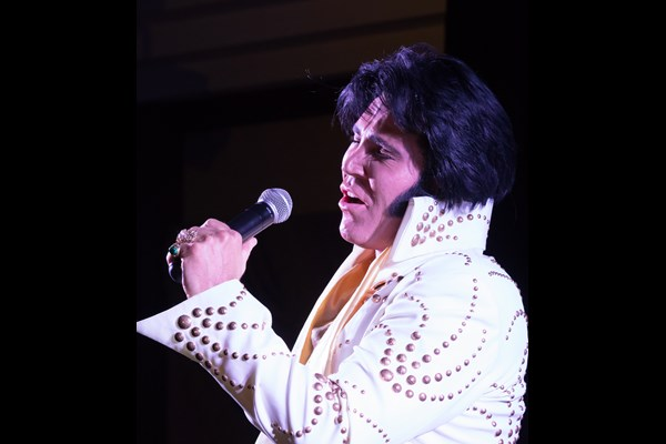 Gordon Hendricks is Elvis Autumn 2018